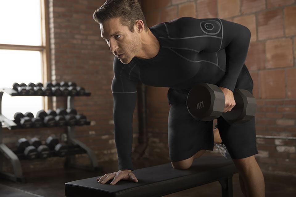Спортивная одежда Athos, которая следит за работой мышц