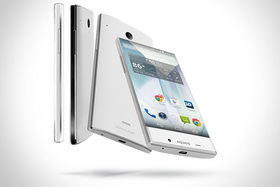Смартфон Sharp AQUOS Crystal с дисплеем без рамок