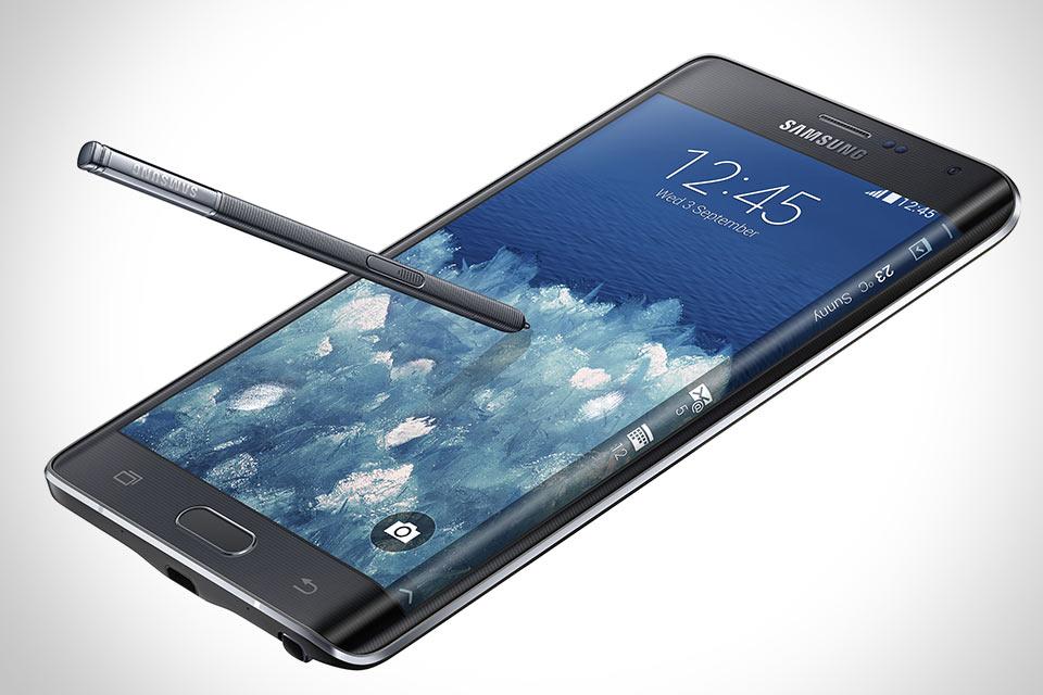 Планшетофон Samsung Galaxy Note Edge с загнутым дисплеем