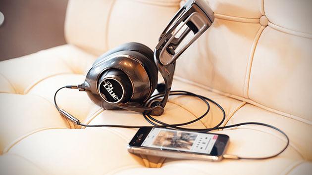 02-Blue-Microphones-Mo-Fi