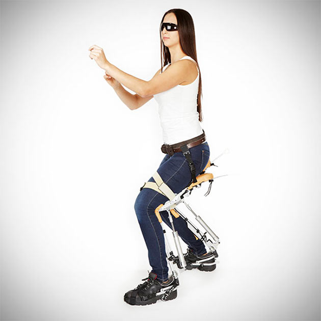 02-Noonee-Chairless-Chair