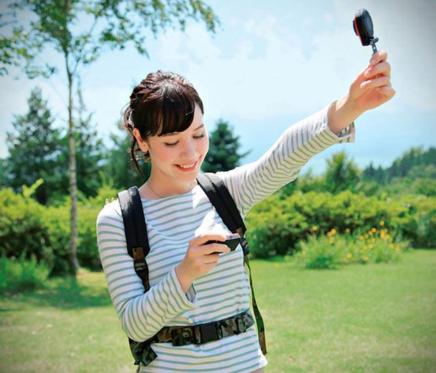 04-Casio-EX-FR10-Split-Camera
