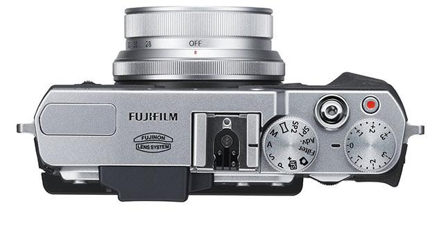 04-Fujifilm-X30