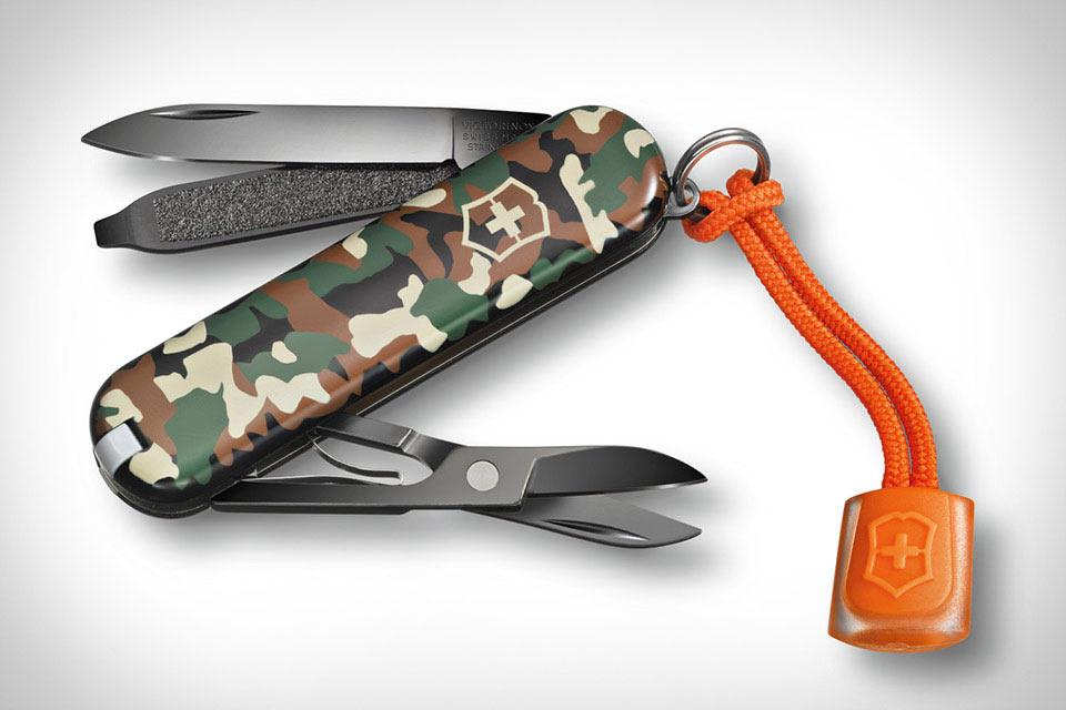 Классический нож Victorinox Black Ice Classic SD с черным анодированием
