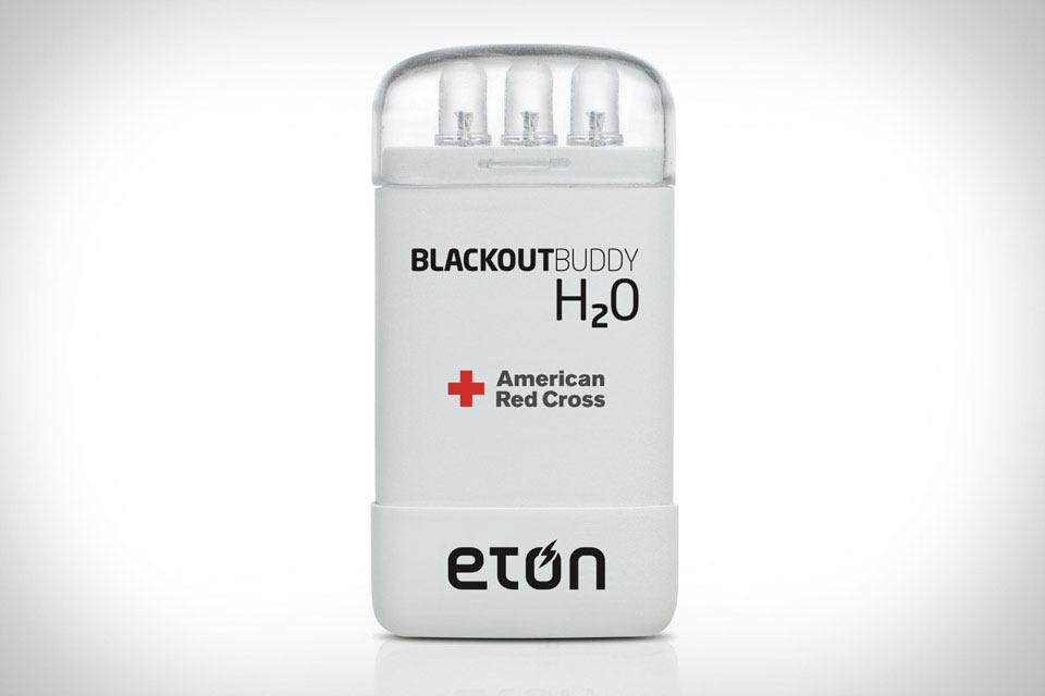 Работающий на воде фонарь Eton Blackout Buddy H2O