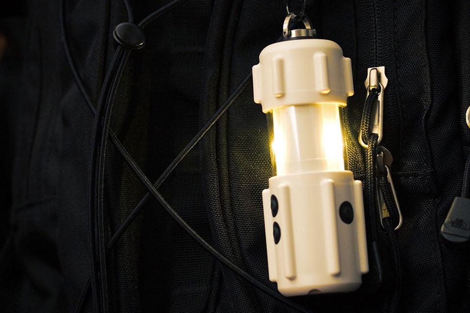 Компактный фонарь R-PAL Personal Area Light мощностью в 300 люмен