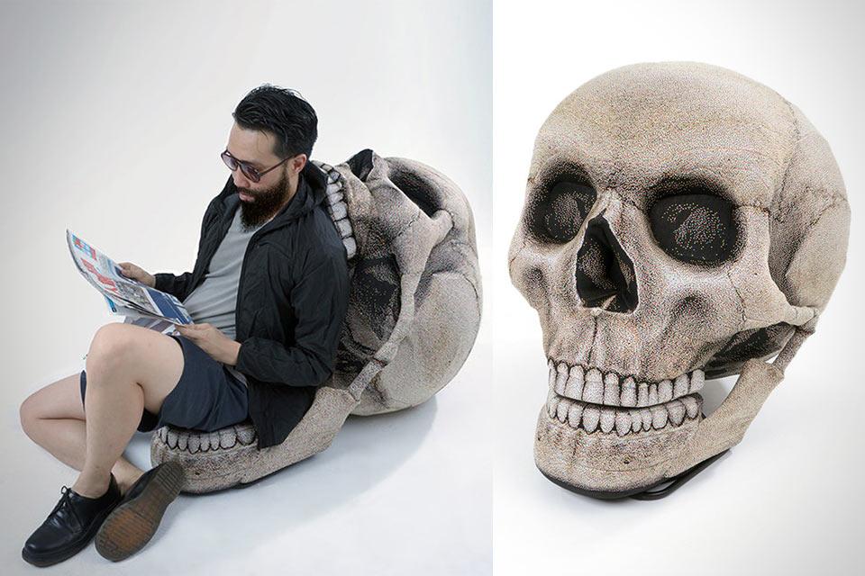 Кресло Skull Chair в форме человеческого черепа
