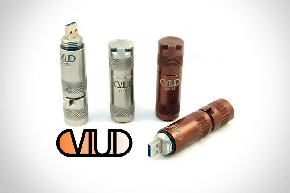 Практически неуничтожимый USB-накопитель VIUD
