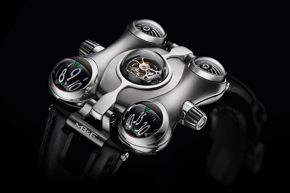 Невероятные часы MB&F Horological Machine 6 с биоморфным дизайном