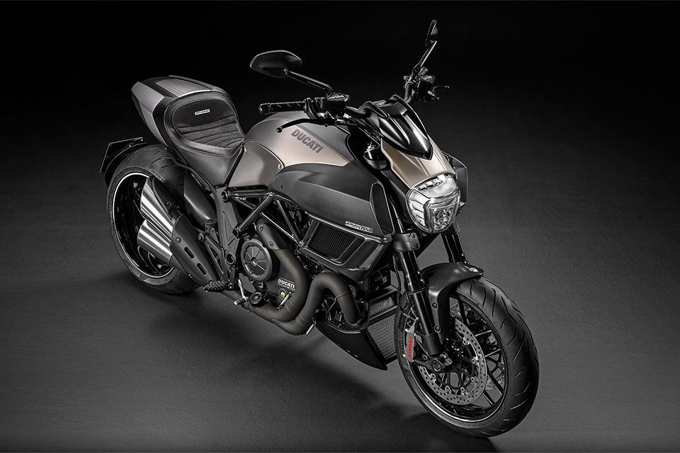 Супербайк Ducati Diavel Titanium из титана и карбона