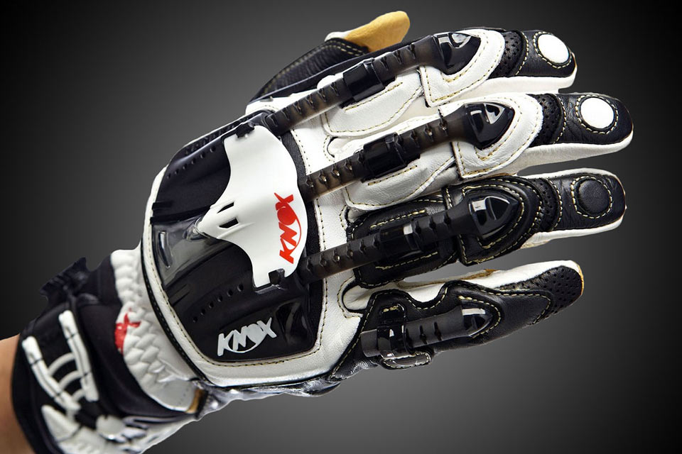 Мотоциклетные перчатки Knox Handroid с экзоскелетом