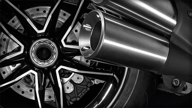 04-Ducati-Diavel-Titanium
