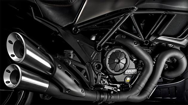 07-Ducati-Diavel-Titanium