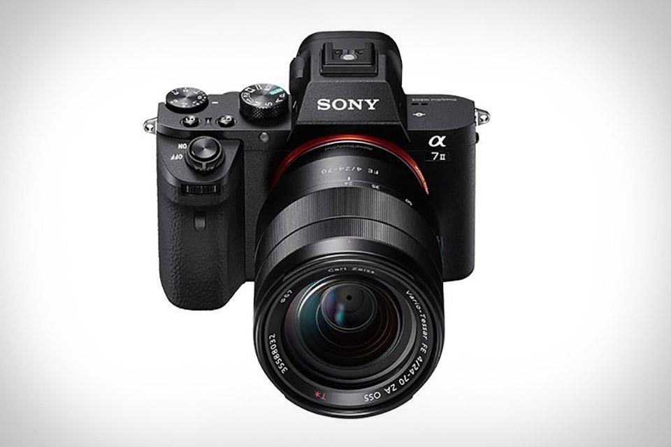 Полнокадровая беззеркальная камера Sony A7 II с улучшенными автофокусом и стабилизацией