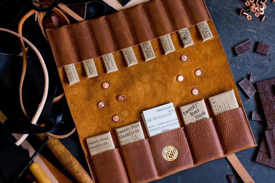 Мужской шоколадный набор Make Smith в кожаной папке