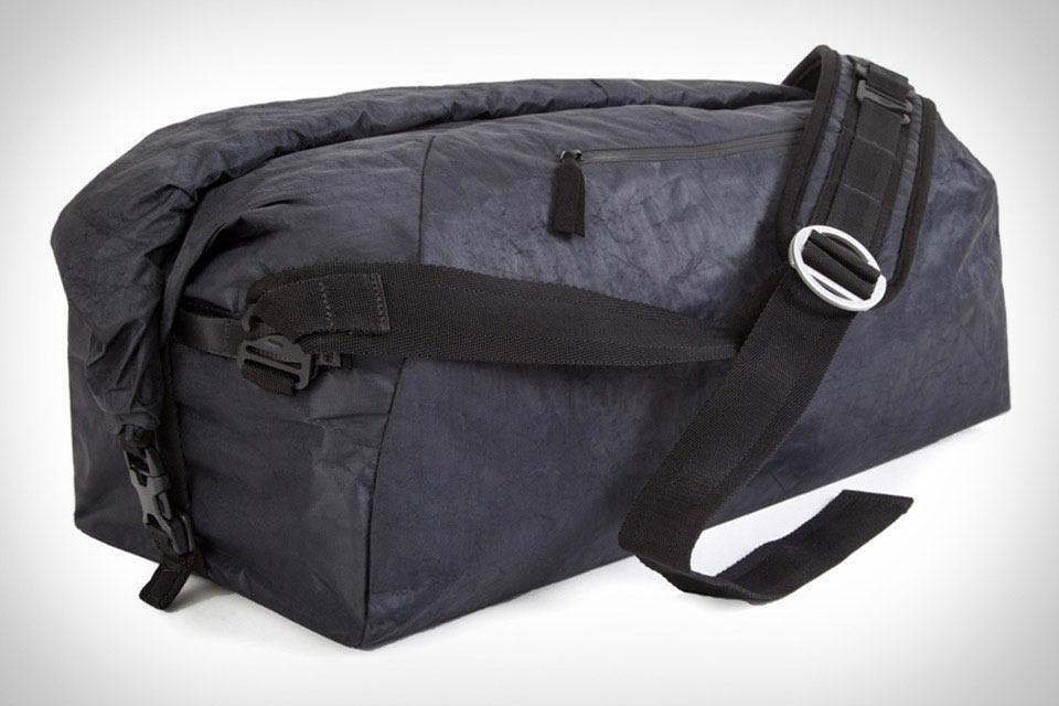 Дорожная сумка Outlier Ultrahigh Duffle с изменяемым объемом