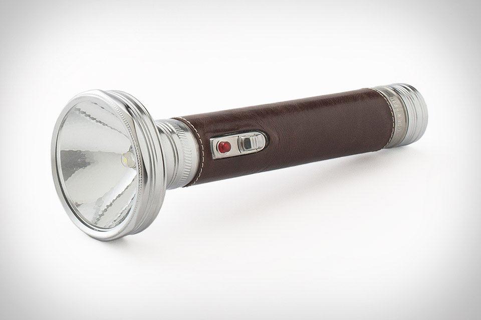 Винтажный фонарь Schoolhouse Leather Flashlight с кожаной ручкой