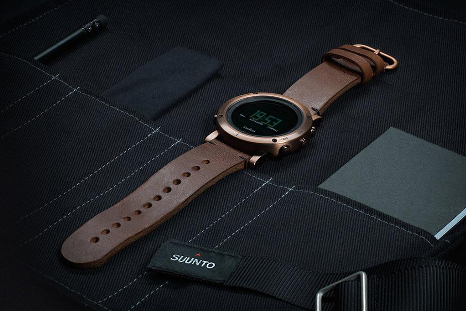 Стальные часы Suunto Essential для путешественников и экстремалов