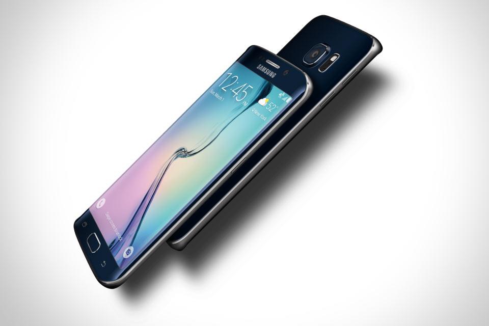 Смартфон Samsung Galaxy S6 Edge с загнутым дисплеем
