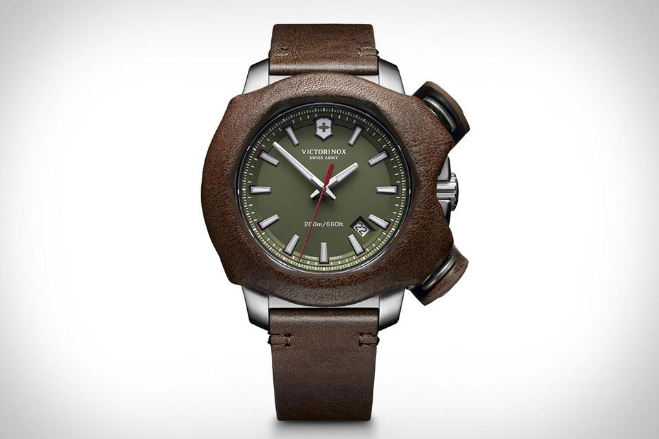 Часы Victorinox Swiss Army Inox Remade