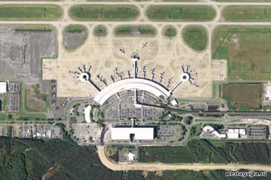 Трехглазый инопланетянин, Австралия, Аэропорт Брисбен