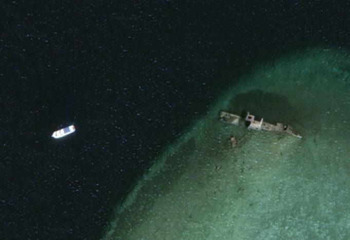 Севший на мель корабль Лара со спутника