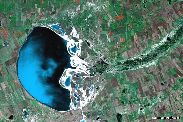 Озеро Медуза (Кулундинское) на фотографиях Гугл Мапс