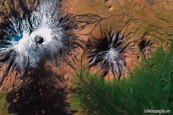 Потухший вулкан Большая Удина