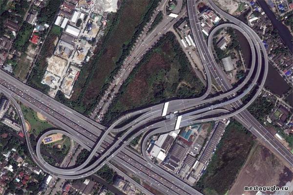 Дорожная развязка-завязка в Бангкоке