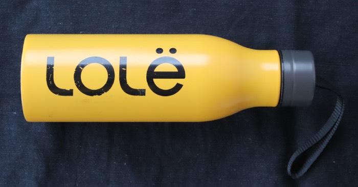 Полулитровый бутылка Lole с откручивающейся крышкой